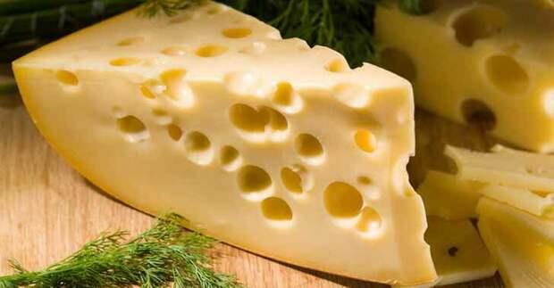 -Такой сыр дорогой покупаешь, неразумно. Вот я беру...
