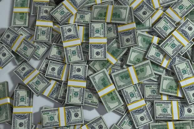 Есть ли жизнь после обвала: эксперт оценил, какие товары и услуги подорожают вслед за долларом