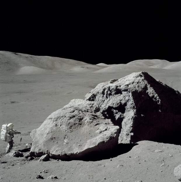 Уфолог поделился шокирующим видео с солнечной панелью, обнаруженной на Луне