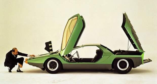 Alfa Romeo Carabo был очень легким, всего 1000 кг, и развивал целых 250 км/ч.