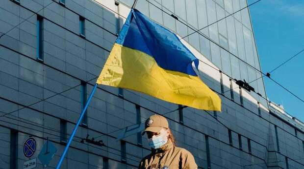Депутат Рады призвал главу ВСУ набраться смелости и на танке доехать до Красной площади
