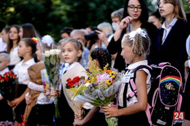 Аксёнов объяснил, почему сейчас не стоит отправлять детей на школьные каникулы