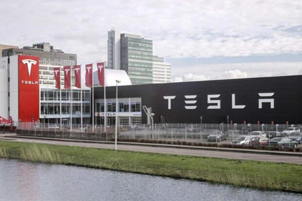 Tesla приостанавливает электрокаров ради новой модели