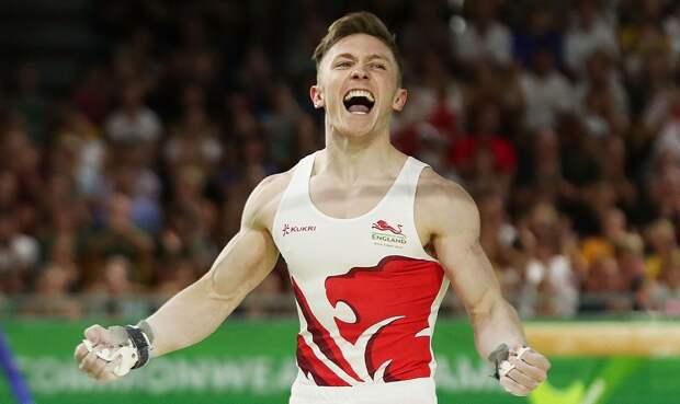 «Меня все еще трясет». Олимпийский призер Уилсон пролетел сквозь брошенный обруч, выполняя сальто назад. Видео