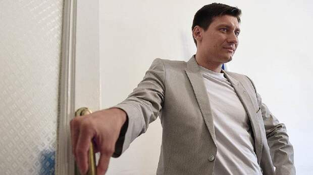 """Гудков дал первое после """"побега"""" из России интервью украинскому ТВ"""
