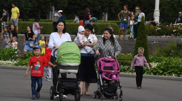 Россиянам назвали условия для получения обещанных Путиным 21 апреля выплат на детей