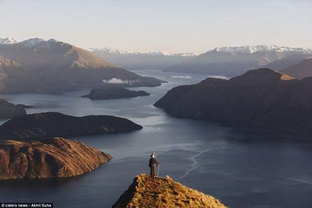 Индиец в образе Гэндальфа  путешествует по местам съёмок «Властелина колец» в Новой Зеландии