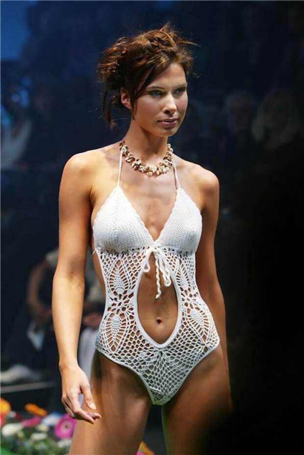 Модные вязаные купальники 2013