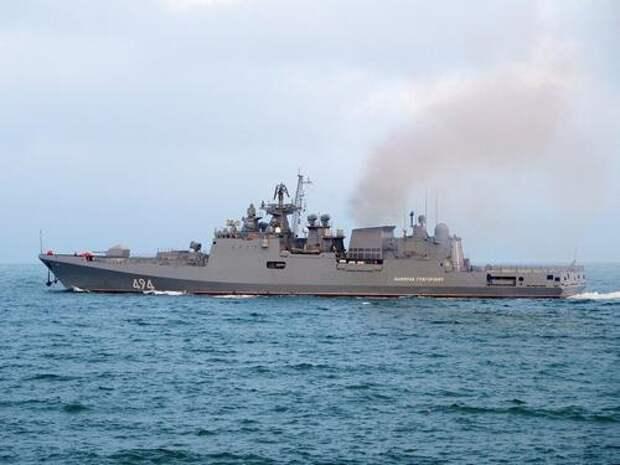 6 российских боевых кораблей выгнали группу кораблей ВМС США и Японии на их же учениях