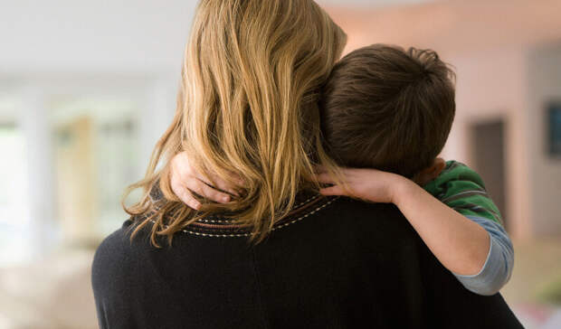 Эффект кобры: пособия одиноким матерям приведут к массовым разводам в нищей глубинке