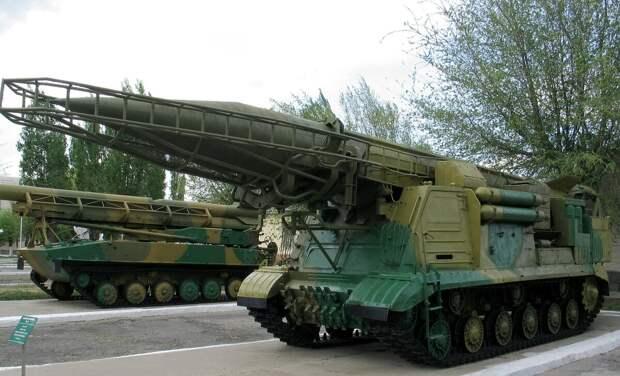 Почему американские ПРО и сейчас не научились сбивать старые советские ракеты?