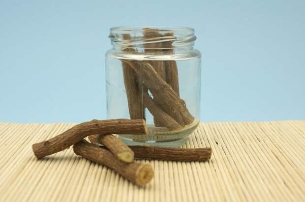 Из лакрицы делают мармелад, конфеты, чай и лекарства.