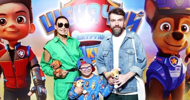 Бледанс с сыном, Борщева с дочкой: звезды на кинопремьере