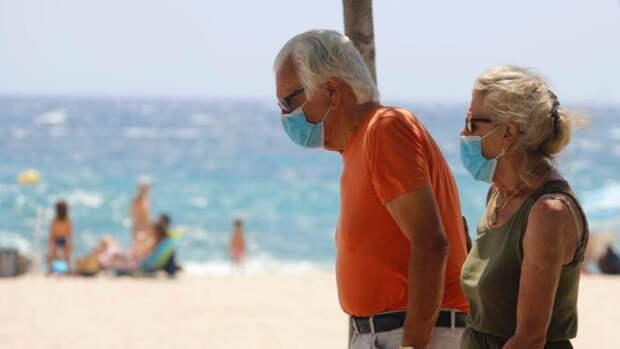 Германия открывает пляжи, но заставляет отдыхающих носить маски