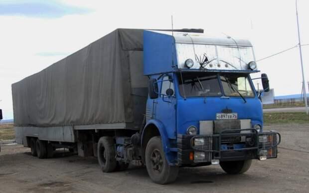 Разумеется, умельцы не обошли стороной и самый мощный советский «дальнобойщик», пятисотый МАЗ, и его потомок 5429. 90-е, грузовик, дальнобойщики, тюнинг