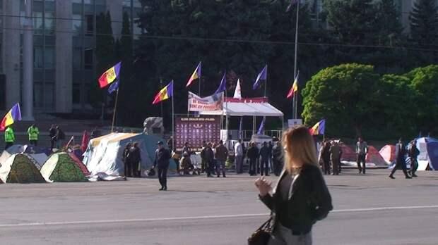 Молдавия вслед за Украиной намерена расправиться с советским прошлым