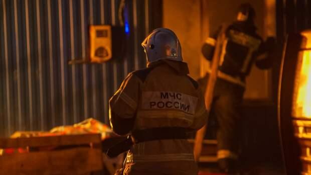 Один человек погиб при пожаре в квартире на Петергофском шоссе в Петербурге