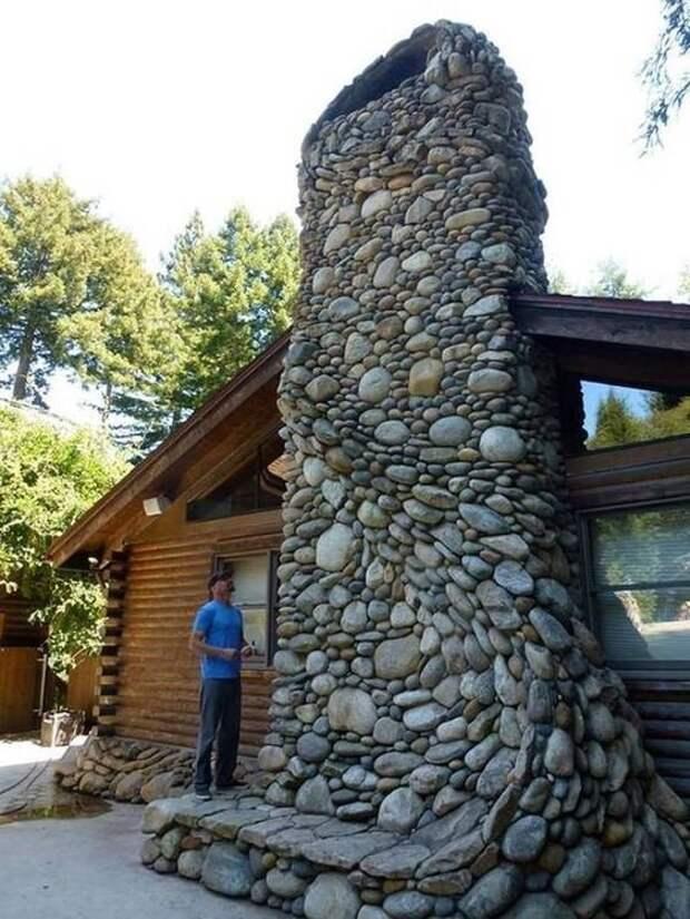 И снаружи труба для камина тоже должна выглядеть эстетично и фантастично Фабрика идей, дизайн, дом, интерьер, камни, красота