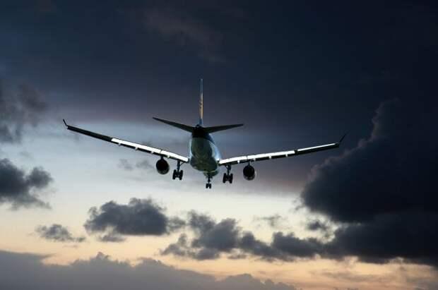 Подавший сигнал тревоги самолет успешно приземлился в Казани