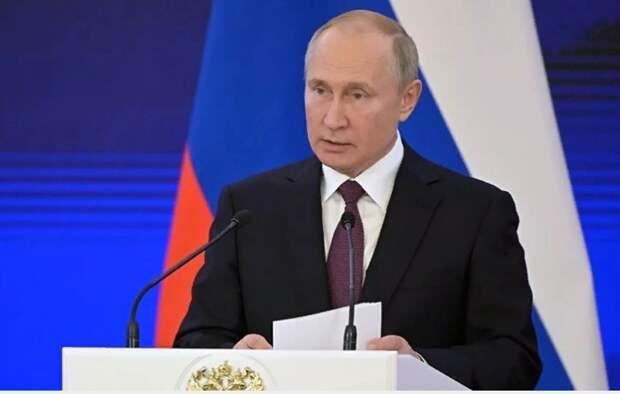 Путин заявил о «пещерных русофобах», объявивших войну русскому языку