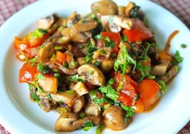 ПОХУДЕЙКИНЫ РЕЦЕПТЫ. Теплый салат с грибами