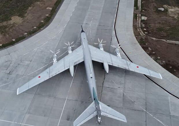 Лётчики соединения дальней авиации отработали порядок действий в различных внештатных ситуациях во время полёта
