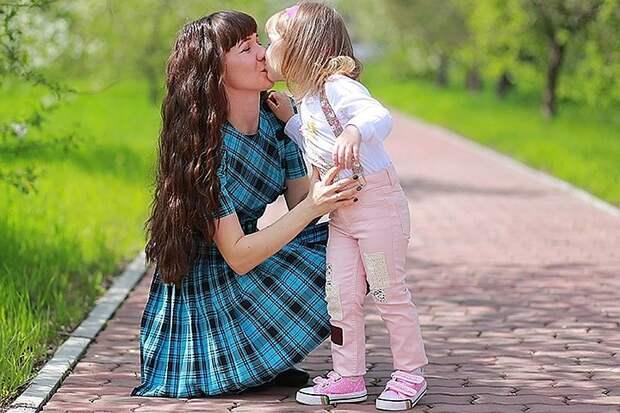 Экономист объяснила, почему нельзя переводить матерей на четырехдневную рабочую неделю
