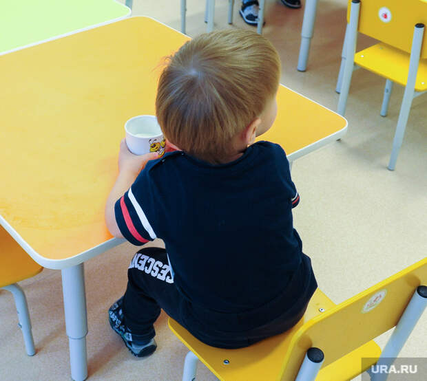 ВЧелябинске прохожие задержали мужчину, ударившего малыша. «Причин для задержания нет»