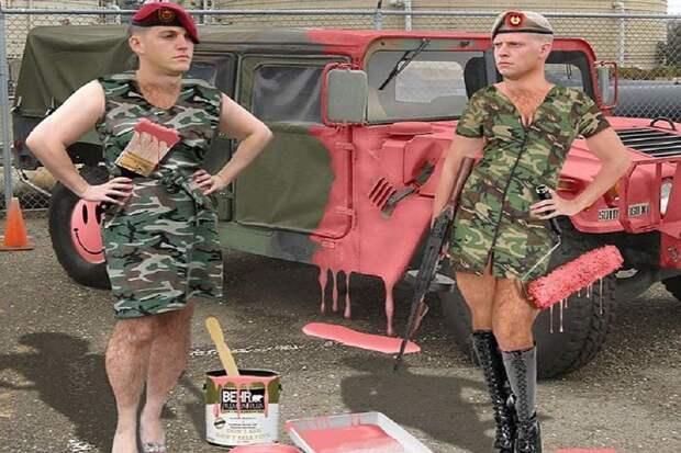 Британским военным запретили называть друг друга «парнями»