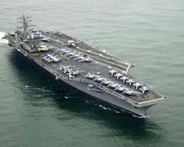 Уволен «по-американски» - коронавирусное судно лишилось капитана
