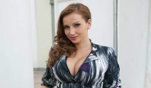 Чеховой пришлось расплатиться лицом за роскошный отдых