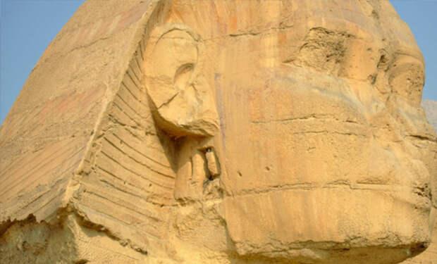 Внутри Сфинкса могли оставить скрытые тоннели: археологи заглянули за камень