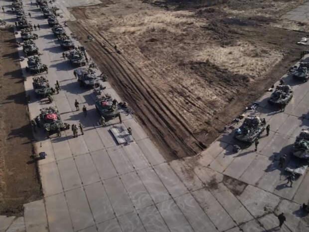 Россия начала масштабные военные учения в Крыму с участием 10 тысяч военных: опубликовано видео