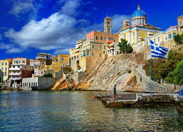 Греция разрешила въезд в страну для российских туристов: при каких условиях