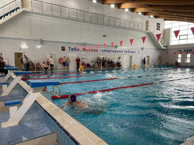Пловцы из Отрадного завоевали золото и бронзу на окружных соревнованиях