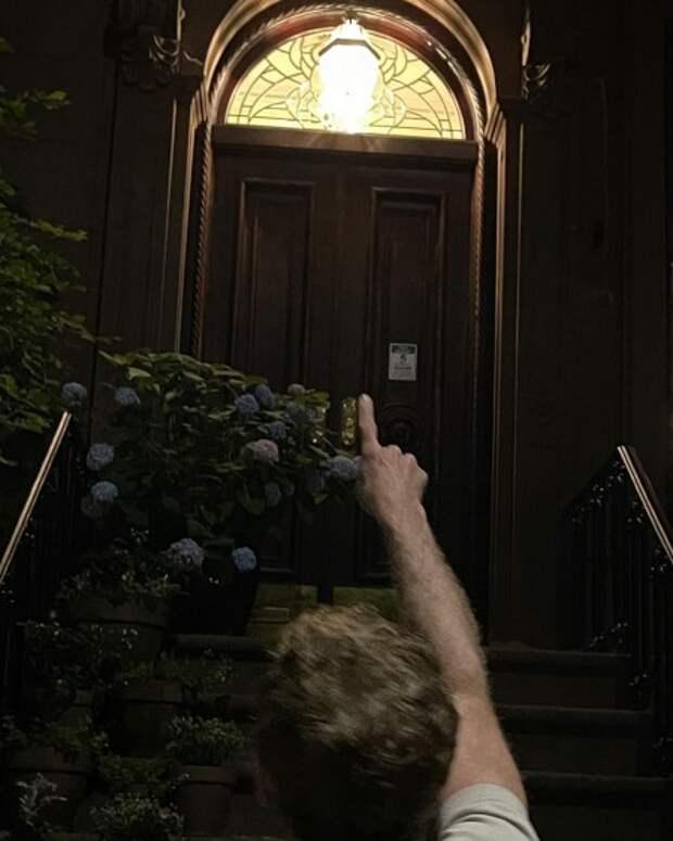 """""""Страшно"""": Сара Джессика Паркер вернулась в квартиру Кэрри Брэдшоу накануне начала съемок продолжения """"Секса в большом городе"""""""