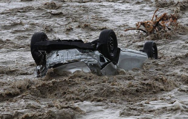 Затопленные автомобили в Крыму будут «вскрывать»