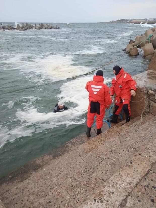 У берегов Севастополя затонул прогулочный катер