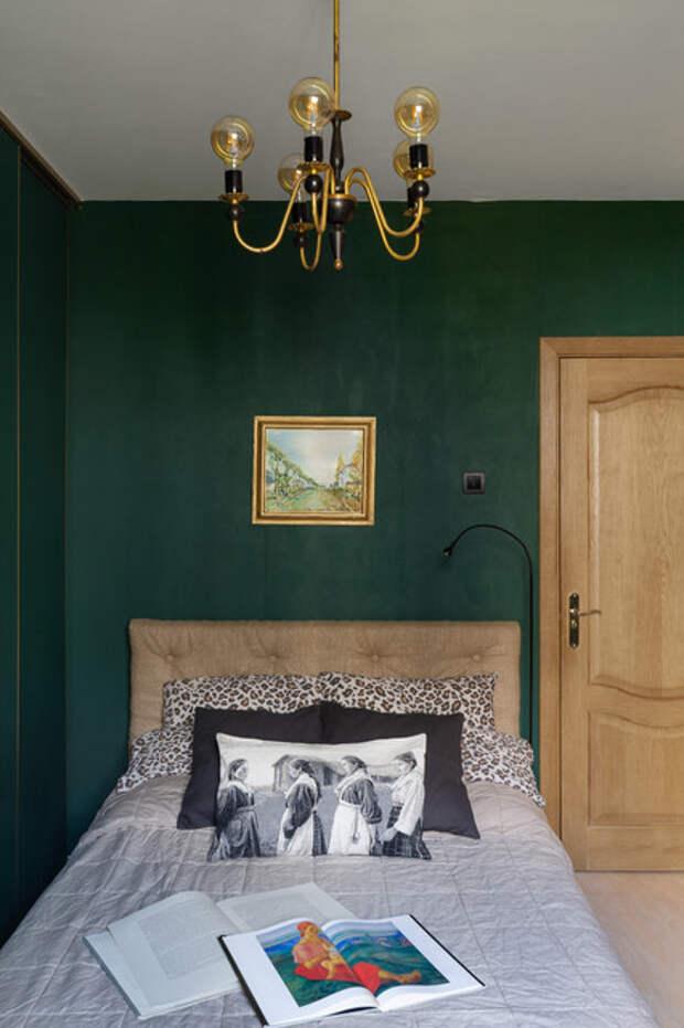 В гостях: Квартира в Петербурге, где у каждой комнаты свой цвет