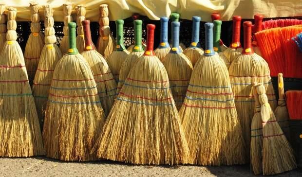 В Кузбассе жителей удивил новый метод уборки улиц
