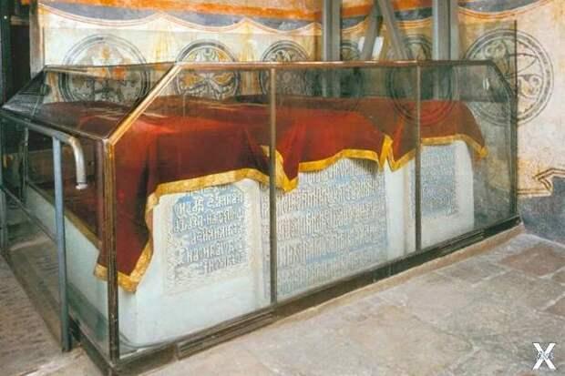 Что нашли ученые при вскрытии гробницы Ивана Грозного?