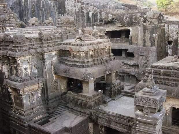 Удивительный Кайласанатха: храм, который вырезан из гигантского монолита
