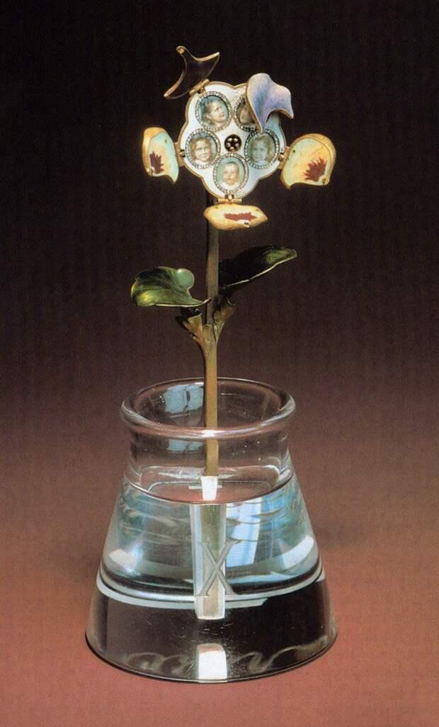 Настоящее чудо: УНИКАЛЬНЫЕ каменные цветы Карла Фаберже.
