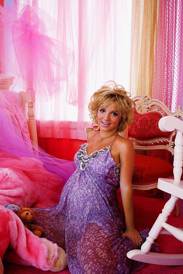 По лезвию Бритни. Что на самом деле происходит в жизни поп-принцессы, которая потеряла и королевство, и принцев, и мечты