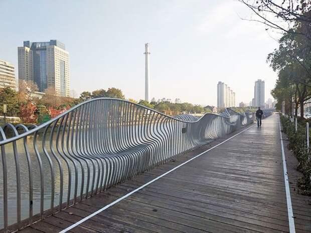 Форма ограды дает возможность посидеть на ней, как на лавочке идеи, необычно, нестандартно, нестандартные идеи, оригинально, оригинальные решения, проблемы, решения