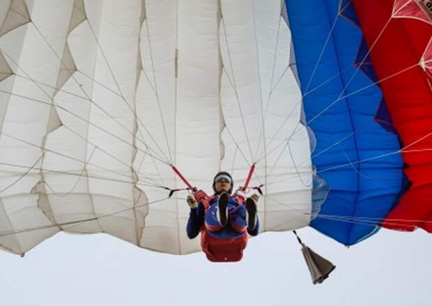 На чемпионате Вооруженных Сил РФ по парашютному спорту определены победители и призеры в точности приземления