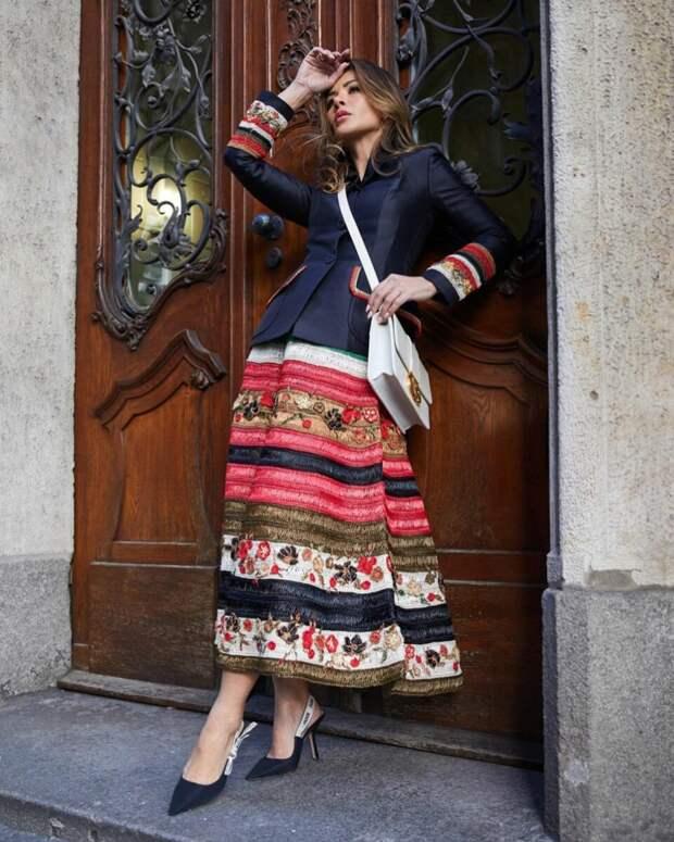 13 идей как носить длинную теплую юбку, чтобы эффектно подчеркнуть образ