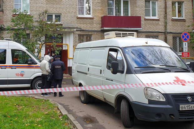 Тела женщины и двоих детей нашли под окнами многоэтажки в Москве