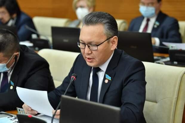 Построить в Казахстане 100 музыкальных и художественных школ предлагают депутаты