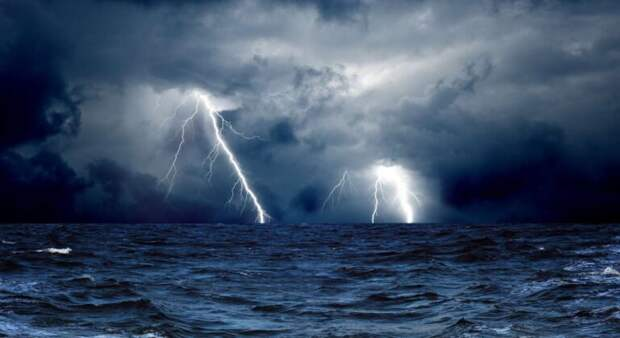 МЧС Петербурга объявило штормовое предупреждение в субботу